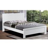 3532/3632WH Wooden Queen Bed